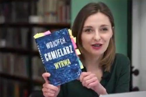 screen z filmu recenzji książki wojciecha chmielarza pt. wyrwa