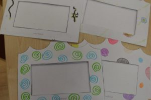 wykonane koperty przez dzieci podczas prac edukacyjnych