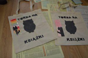 wykonane przez dzieci torby na ksiażki