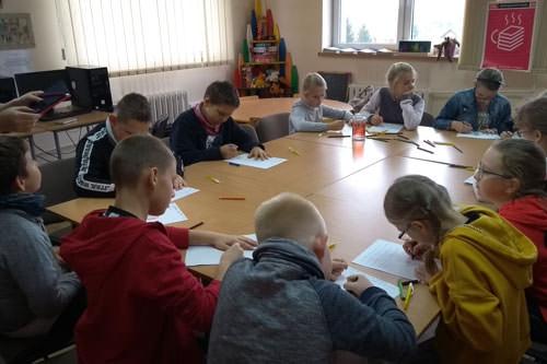dzieci na zajęciach z dnia DKK